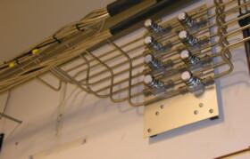 Afgrening fra kabelrør til sektionsventiler. Alle afgreninger orbitalsvejses med specielle T-stykker