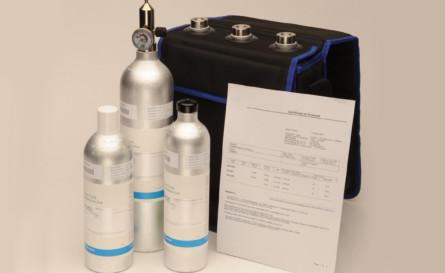 KVG råder over alle typer af specialgasser samt udrustning hertil. •         Test-, blandings- og kalibreringsgasser med op til 10 års stabilitet er markedets absolut bedste. •         Gasser i éngangsflasker med højt tryk •         Håndtering og genanvendelse af giftige- og miljøgasser